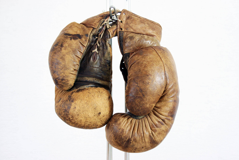 gants de boxe et punching ball des ann es 20 syn brocante. Black Bedroom Furniture Sets. Home Design Ideas