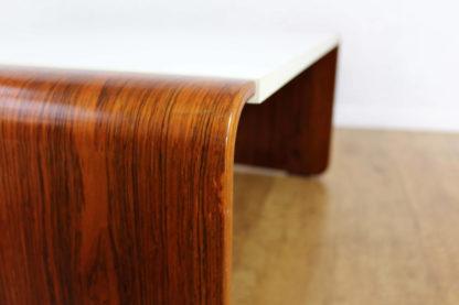 Table basse en palissandre courbé