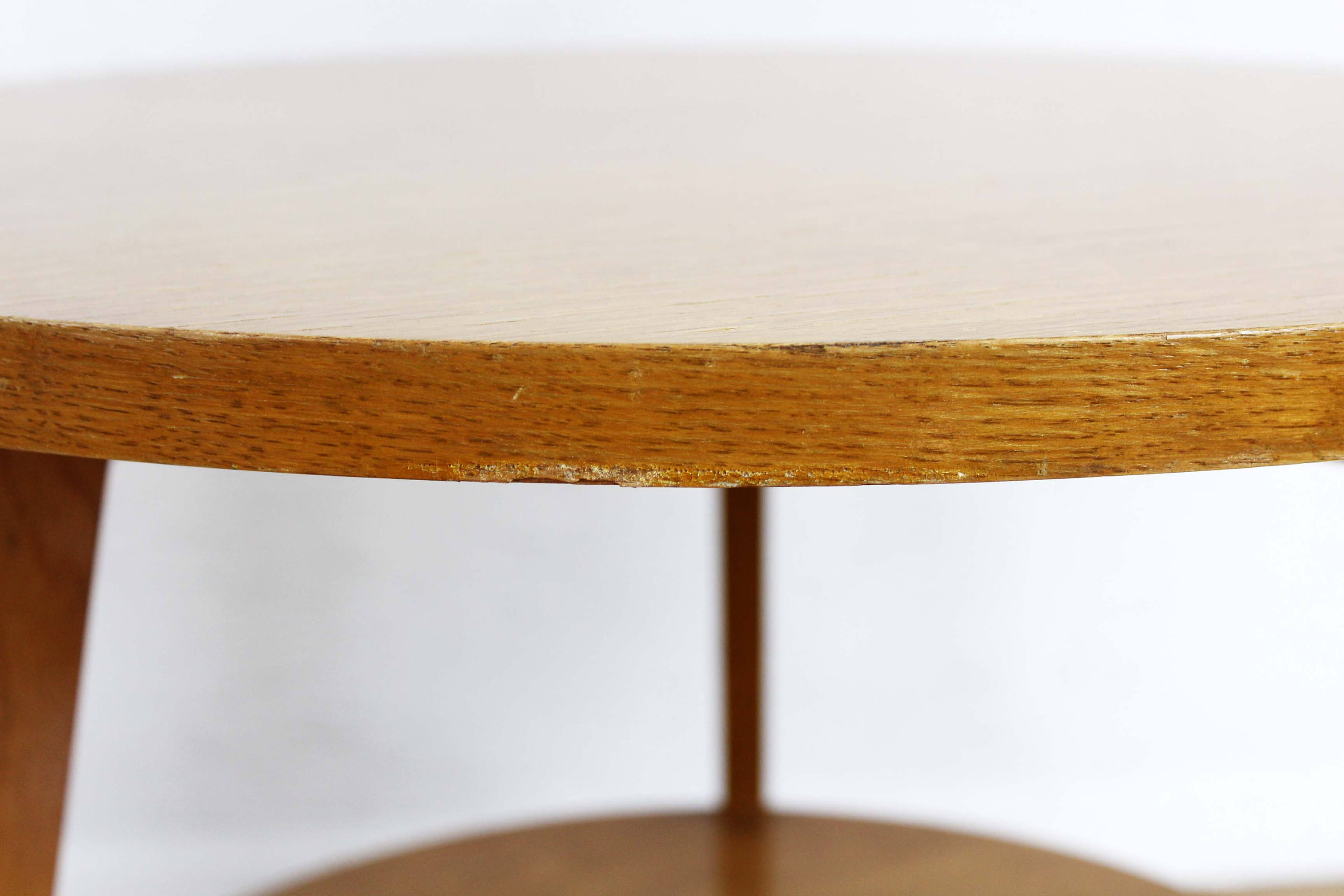 Table d'appoint design scandinave