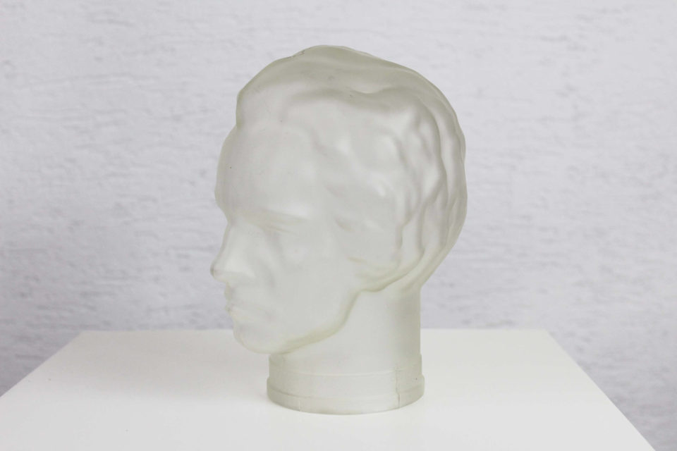 Rare tête en verre dépoli de Beethoven