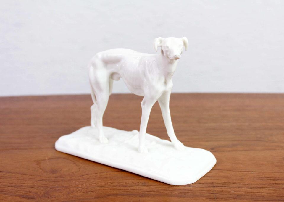 Statuette de lévrier en céramique