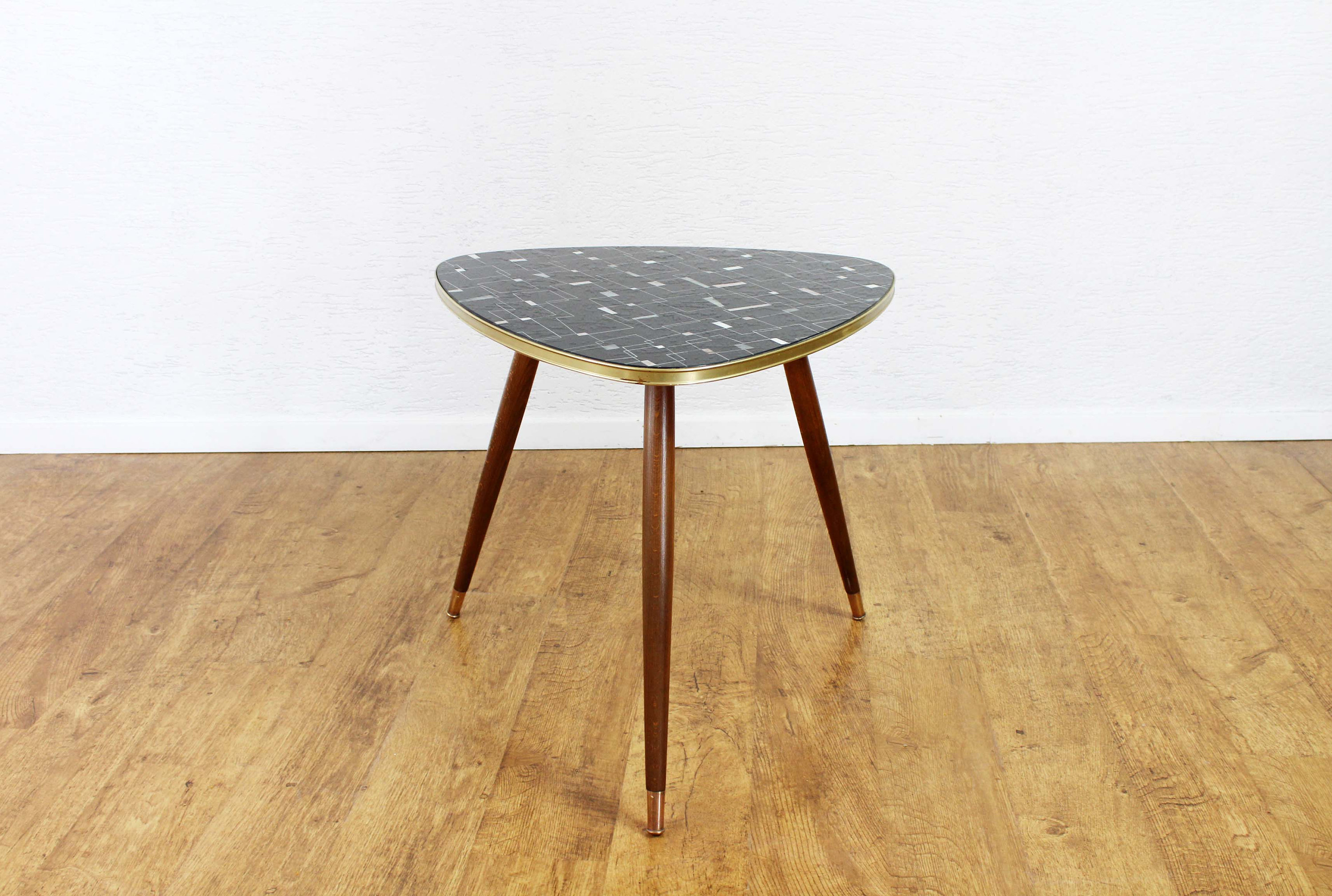 Table basse tripode en verre